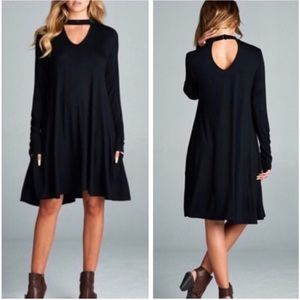 Dresses & Skirts - Black Keyhole Choker Style Shift Dress w/ Pockets